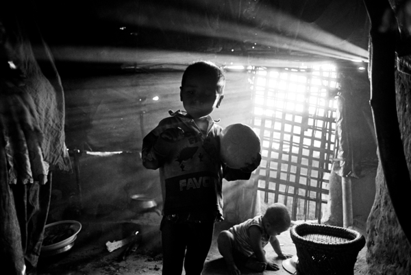 Aid workers say conditions for the Rohingya in Bangladesh are some of the worst they have ever seen. Most Rohingya children in Bangladesh do not receive any form of education (2009). Copyright: Greg Constantine