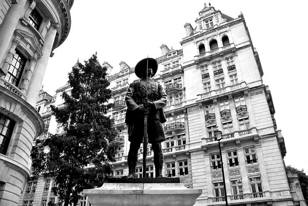 The Memorial to the Brigade of Gurkhas, London Photo: Flickr / Angel Xavier Viera-Vargas
