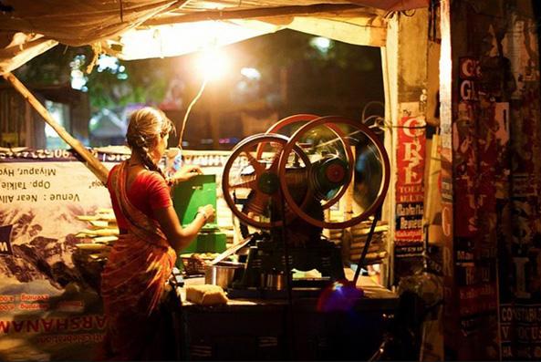 Sugarcane juice vendor in Hyderabad. Photo: Ahmed Mahin Fayaz
