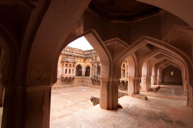 The Queen's Bath, Hampi Photo : Shriram Swaminathan