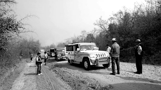 On the road in Burma. Photo : Pradip Phanjoubam