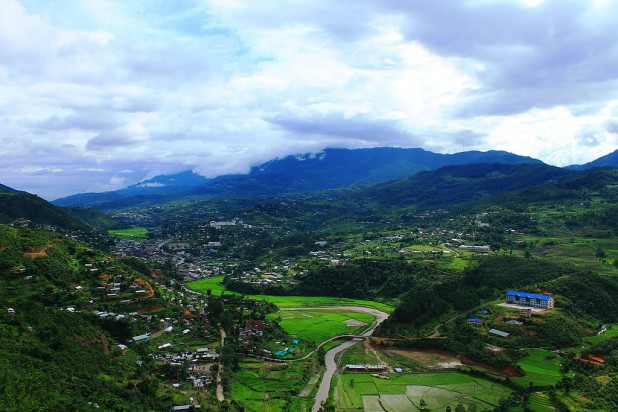 A view of Senapati from the top Photo : Wikimedia Commons / Houruoha