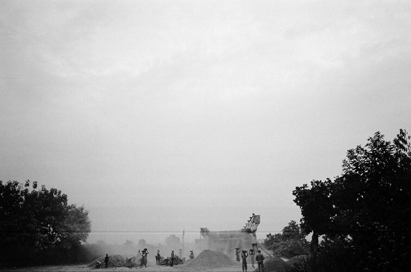 Workers engaged in stone crushing between the Jharkhand-West Bengal border. June 2015.